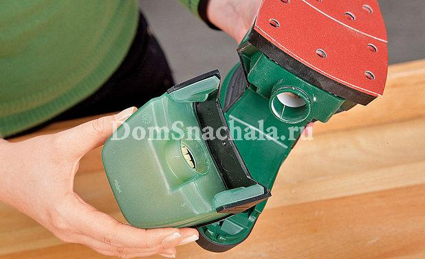 Подсоединяем пылесборник к шлифовальной машине